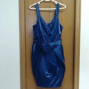 🆕 midnight blue V-cut dress
